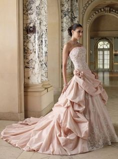 Top 18 Unique Blush Wedding Dress Designs – Spring Theme For Ceremony Day - Easy Idea (4)