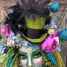 Kentucky Derby Hat Mini Top Hat Queen of Hearts Red Queen Mad Tea Parties, Tea Party Hats, Tea Hats, Queen Hat, Red Queen, Diy Halloween Decorations, Christmas Decorations To Make, Fall Decorations, Alice In Wonderland Hat