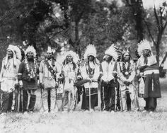 Sioux veterans of the Battle of the Little Big Horn, circa Native American Pictures, Native American Tribes, Native American History, Native Americans, American War, Sioux, Native Indian, First Nations, Wild West