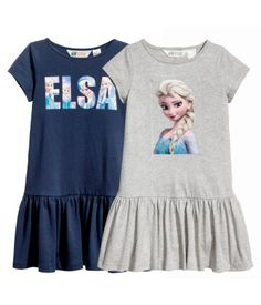 Dark blue& Short-sleeved, gently flared dresses in cotton jersey with a printed design. Seam at hips. Frozen Outfits, Frozen Dress, Disney Outfits, Mommy And Me Outfits, Toddler Girl Outfits, Kids Outfits, Short Outfits, Girls Fashion Clothes, Little Girl Fashion