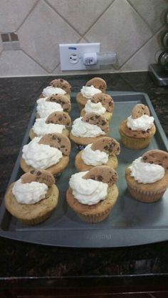 Chip ahoy cupcakes Dance Cupcakes, Chips Ahoy, Muffin, Breakfast, Desserts, Food, Morning Coffee, Tailgate Desserts, Deserts