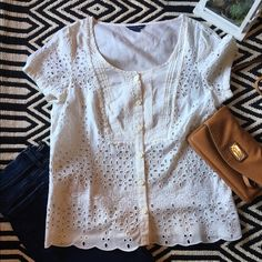 American Eagle top American eagle top. Used. Good condition. Size Small. Off white. 100% cotton. Looks great with skinny jeans! American Eagle Outfitters Tops