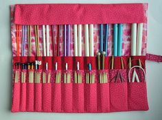 knitting needle case pattern how to make / knitting needle case pattern . knitting needle case pattern how to make . Diy Knitting Needle Organizer, Diy Knitting Needle Case, Wooden Knitting Needles, Free Knitting, Simple Knitting, Knitting Yarn, Knitting Patterns, Sewing Patterns, Knitting Accessories