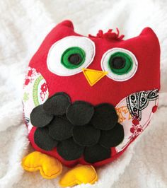 LOVE this owl pillow project from @Cricut®® :) #sewjoann