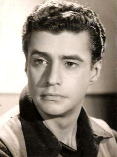 """Nascido em Estrela, em 1918, o artista Alberto Ruschel arrebatava fãs nos anos 1950.  O ator e diretor de cinema consagrou-se a partir do filme """"O Cangaceiro"""" (Vera Cruz, 1953), de Lima Barreto, no qual foi protagonista."""