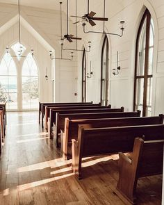 Look at this gorgeous chapel! 😍 My parents are away at for a few days, and it is so beautiful there, but this chapel stole… church wedding Katie Chapel Wedding, Our Wedding, Wedding Venues, Dream Wedding, Wedding Ideas, Wedding Country, Wedding Chapels, Wedding Planning, Wedding Inspiration