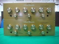 Marantz Model 1 Audioconsolette. Pré-ampli mono à tubes. Il en fallait un par ampli...