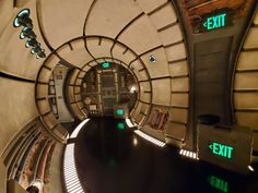The Millennium Falcon is docked at the Black Spire Outpost on Batuu in Star Wars: Galaxy's Edge and she's looking for a flight crew to help pilot her on a new adventure on the new Mille… Star Wars Room, Star Wars Art, Star Trek, Darth Maul Lightsaber, Darth Vader, Star Wars Light, Leia Star Wars, Jedi Sith, Star Tours