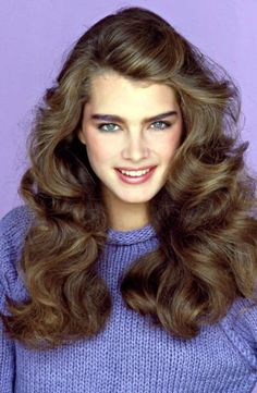 hair Brooke Shields with her perfect bushy brows.I had them too and now sadly, I hardly have any brows from overplucking! Brooke Shields Young, 1970s Hairstyles, Hairstyles Haircuts, 80s Haircuts, Amazing Hairstyles, Boho Hairstyles, Updo Hairstyle, Straight Hairstyles, 1980s Hair