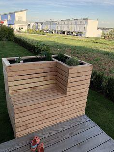 Plant box bench raised bed – heart – Planter bench raised bed – – Welcome My World Raised Planter Beds, Planter Bench, Raised Garden Beds, Raised Beds, Balcony Planters, Herb Planters, Outdoor Planters, Outdoor Gardens, Balcony Gardening