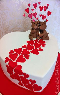 ♡ Love cake with bears Pretty Cakes, Cute Cakes, Beautiful Cakes, Heart Shaped Cakes, Heart Cakes, Birthday Wishes Cake, Happy Birthday, Valentines Day Cakes, Valentine Sday