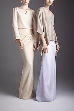 One of Malaysia's best fashion designers and her eponymous label of sensual feminine designs - ready-to-wear, made-to-measure and bridal. Eid Dresses, Modest Dresses, Modest Fashion Hijab, Fashion Dresses, Cute Fashion, Girl Fashion, Best Fashion Designers, Eid Outfits, Plain Dress