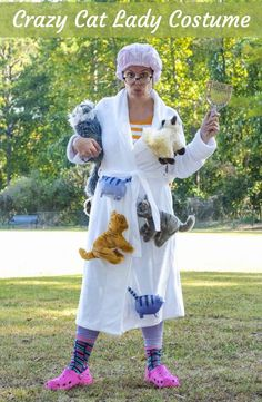 Learn how to DIY a crazy cat lady costume for Halloween! Make your costume complete with a kitty litter scoop, fun socks, and Crocs. It's really easy - one of those ideas people will definitely never forget! via @modpodgerocks