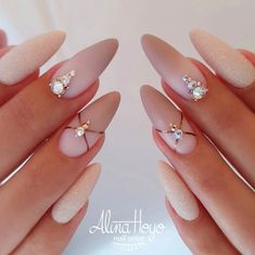 60 Awesome Natural Almond Nails Designs To Inspire You : Almond is a classic nai - Care - Skin care , beauty ideas and skin care tips Nude Nails, Matte Nails, Bridal Nails, Wedding Nails, Natural Almond Nails, Almond Nails Designs, Classic Nails, Elegant Nails, Types Of Nails