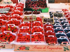 Delicious fresh berries at the Cours Saleya market in Nice!