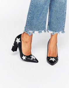 Zapatos de tacón con diseño de estrellas