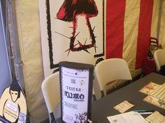 Brussels Games festival 2014 quand Kumo Hogosha le jeu de société était encore un prototype non édité. Lampe recyclé et présentoir sumo en carton fabrication maison. #Kumo  #jeuxdesociété #Boardgame #Morning #japon #lesaventuresludiques #jeux #kumohogosha #brusselsgamesfestival