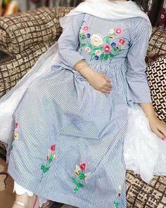 Punjabi Salwar Suits, Punjabi Suits Party Wear, Punjabi Suit For Ladies, Punjabi Suits Designer Boutique, Boutique Suits, Indian Designer Suits, Embroidery Suits Punjabi, Kurti Embroidery Design, Hand Embroidery Dress