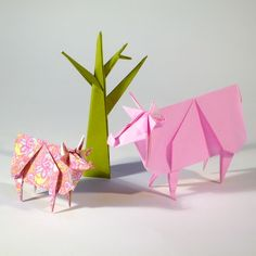For the past couple of days I've been posting a photo of origami animals that Mr Sock Garden has made. So I thought Origami would be a good subject for Folksy Friday this week. To start off h…