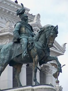 Closeup of Equestrian statue of Victorio Emmanuel II