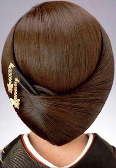 倉塾 Creative Hairstyles, Modern Hairstyles, Summer Hairstyles, French Twist Hair, Beautiful Braids, Gorgeous Hair, Chignon Hair, Indian Bridal Hairstyles, Up Dos