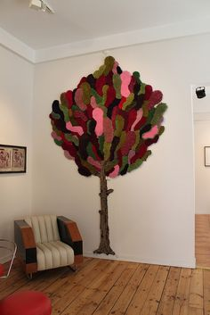 Hooked Tree - WOW  I'd love to do something like this