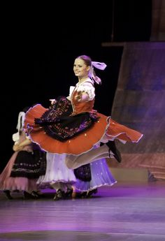 Lúčnica- Slovak National Folklore Ballet Bratislava, Korean Hanbok, Heart Of Europe, Big Country, Folk Dance, Beautiful Costumes, Traditional Fashion, Dance Pictures, Character Costumes