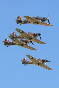 Military and Aviation: Photo Ww2 Aircraft, Fighter Aircraft, Fighter Jets, Airplane Fighter, Military Jets, Military Aircraft, Hawker Hurricane, Supermarine Spitfire, Ww2 Planes