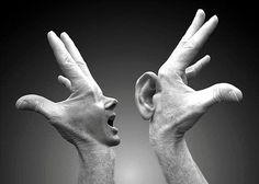 Het valt me op dat mensen moeite hebben om naar elkaar te luisteren. En met luisteren bedoel ik niet alleen het registreren van geluid dat uit de mond van een ander komt, want dat doen we allemaal. Met luisteren bedoel ik het, zonder enig oordeel en met een oprechte intentie, proberen vast te leggen wat de ander je probeert te vertellen. Meestal luisteren we vanuit een reactiestand: we zijn al bezig ons antwoord, onze reactie te formuleren, nog voordat de ander is uitgesproken. Dat is…