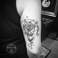 Mais uma tattoo do classico Pequeno principe foi pra pele da Aline!!! Mto obrigado e até breve . Contato para orçamento e agendamento no tel 27 999805879 com Bruno de segunda a sexta de 8 as 18 hs . Snap: kadutattoo . #kadutattoo #tattoo #tattoos #tatuagem #tatuagens #tattoo2me #dotwork #dotworktattoo #delicate #pequenoprincipe #opequenoprincipe #littleprince #thelittleprince