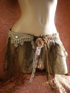 Sur-jupe MiLunaire, ceinture de hanches marron taupe et beige avec dentelle