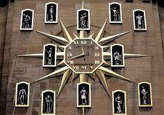 Belgium, Brussels, The Mont des Arts district, clock on a public building