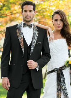 Camo isn& always meant to blend in. Be an individual in our Camouflage Tuxedo. Tailored in worsted wool with a camouflage notch lapel and top collar. Camo accessories also available. Camo Tuxedo, Camo Suit, Groom Tuxedo, Tuxedo For Men, Camo Men, Tuxedo Vest, Camo Wedding Dresses, Wedding Suits, Wedding Attire