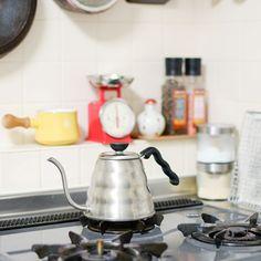 家でコーヒーが飲みたくて、はじめて揃えたのはHARIOのドリップケトルでした。 | 北欧、暮らしの道具店