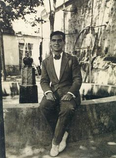 Federico Garcia Lorca, Been to his house, and Parque Garcia Lorca. Ap Spanish, Spanish Culture, Hesse, Retro Images, Writers And Poets, People Of Interest, Book Writer, Famous Photographers, Playwright