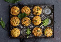 Špenátové muffiny - rychlý, jednoduchý a zdravý recept | Fitrecepty.info Zucchini, Vegetables, Být Fit, Ethnic Recipes, Food, Vegetable Recipes, Eten, Veggie Food, Meals