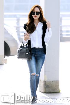 Jessica at Incheon Airport To Shanghai Snsd Airport Fashion, Snsd Fashion, I Love Fashion, Asian Fashion, Daily Fashion, Womens Fashion, Cool Outfits, Casual Outfits, Amazing Outfits