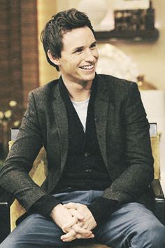 Eddie Redmayne. Ugh they cropped me out of this one. He's smiling at me, odvi