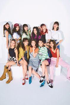 E-girls/画像提供:宝島社