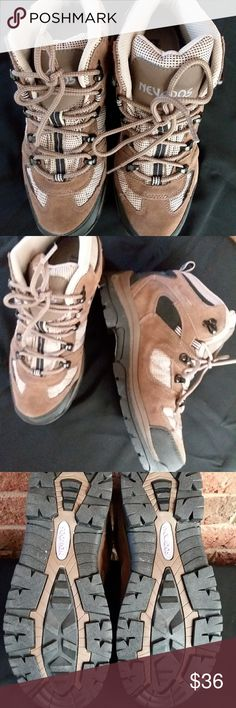 NWOT!!!Nevados Klondike women's hiking boots Mid waterproof heavy duty hiking rugged boots.  Earth brown/Black. Size 9. Nevados Shoes