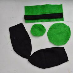 How to make a goofy hat headband Family Costumes, Couple Halloween Costumes, Halloween Horror, Woman Costumes, Goofy Costume, Frozen Costume, Mickey Mouse Costume, Disney Diy, Disney Crafts