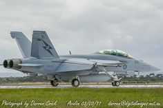 #RAAF Super Hornet A44-212 taxis back after a flight at #Avalon 03/03/11. #avgeek #aviation #photography #canon #Airshow #Spotter #YourADF