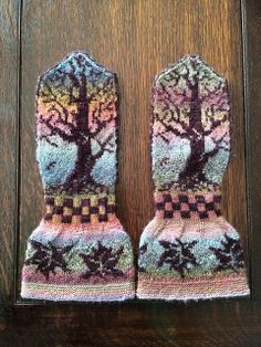 Ravelry: Project Gallery for Counting Crows pattern by Meg Warren