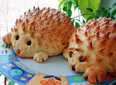 Hedgehog Bread recipe ~ Home Cooking with Recipes Cute Food, Good Food, Yummy Food, Awesome Food, No Cook Meals, Kids Meals, Spinach Puff Pastry, Comida Diy, Bread Recipes