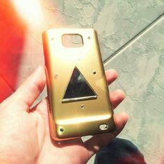 Custom half-finished galaxy s2 case from illuminati series. Gold-mirror.