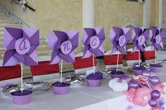 Decoración de comunión de niña con temática de molinillos - Pinwheel themed girl communion
