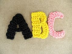 monogram crochet--free patterns for each letter of alphabet