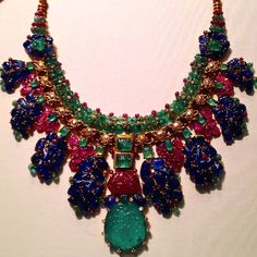 Dazzling #necklace by #cartier @cartier