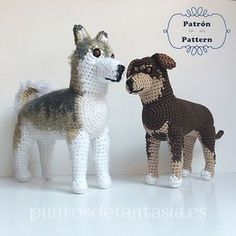With this pattern you can knit a amigurumi with the generic form of a dog for about long Chat Crochet, Crochet Dolls, Free Crochet, Dog Crochet, Granny Stripes, Crochet Amigurumi Free Patterns, Dog Crafts, Stuffed Animal Patterns, Crochet Animals