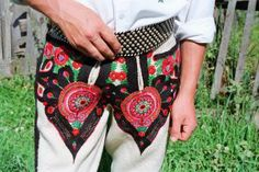 Kewel krewel!  Ethnic dude trousers, hand-embroided.